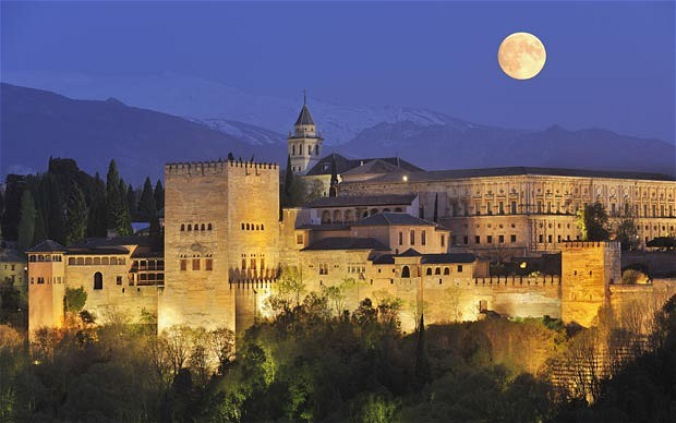Alhambra at night