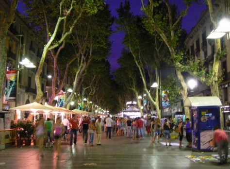 Las Ramblas: Hectic, pulsating, and definitely not the best place in Barca (but still good)!
